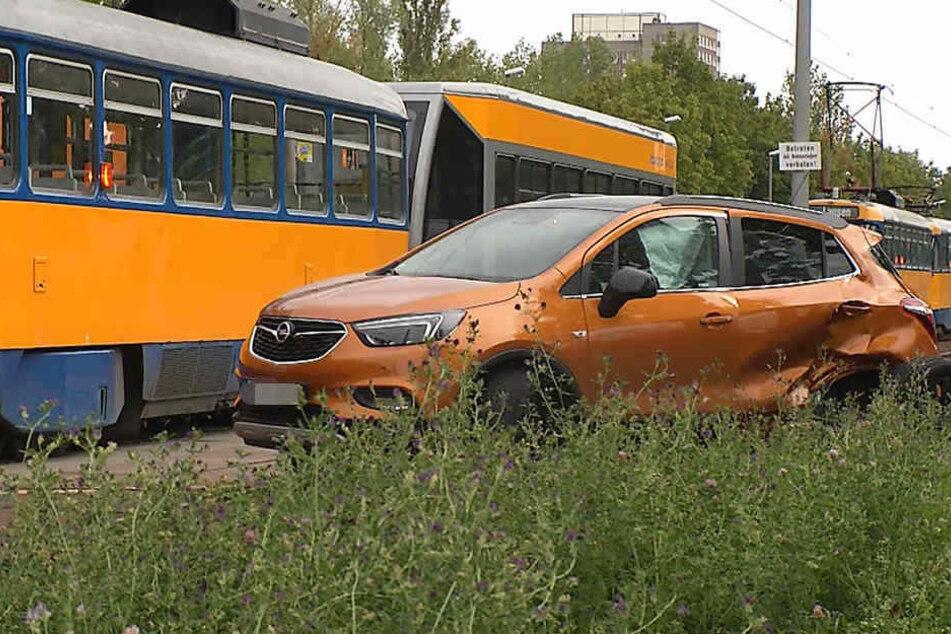 Der Opel-Fahrer wurde bei dem Crash schwer verletzt und kam ins Krankenhaus.