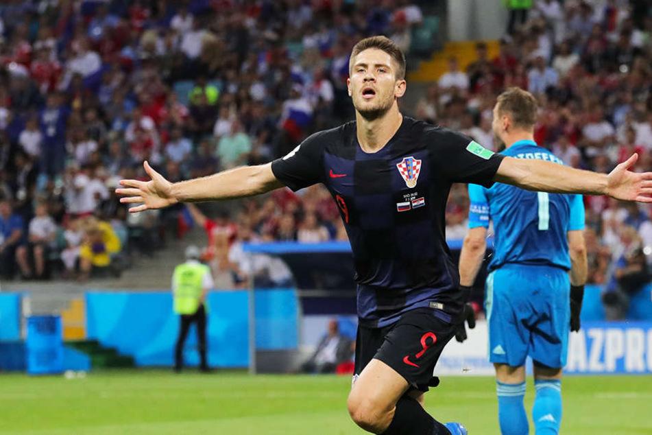 Andrej Kramaric bejubelt sein Tor zum 1:0 für Kroatien.