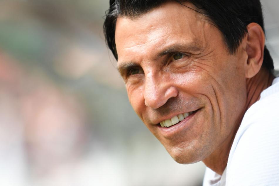 Sportdirektor Bruno Hübner (Archivbild) hat seinen Vertrag bis 2021 verlängert.