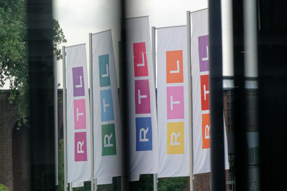 Das RTL-Logo ist nicht mehr in den Farben Rot-Gelb-Blau, sondern ein Multi-Color-Logo, das seine Farben stets wechselt.