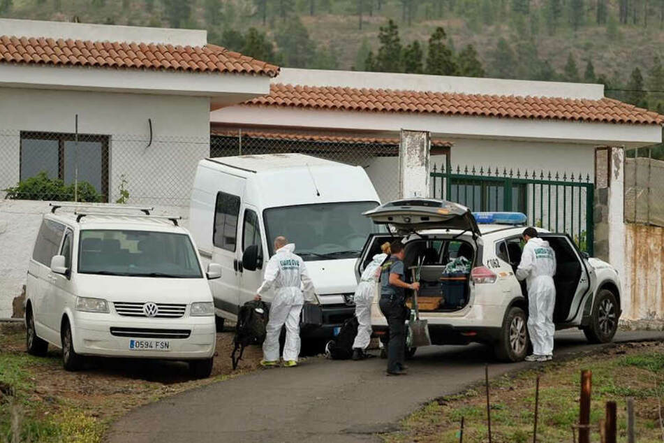 Mitglieder der Guardia Civil führten einen Einsatz wegen der vermissten Frau aus Deutschland und ihres zehn Jahre alten Sohnes durch.
