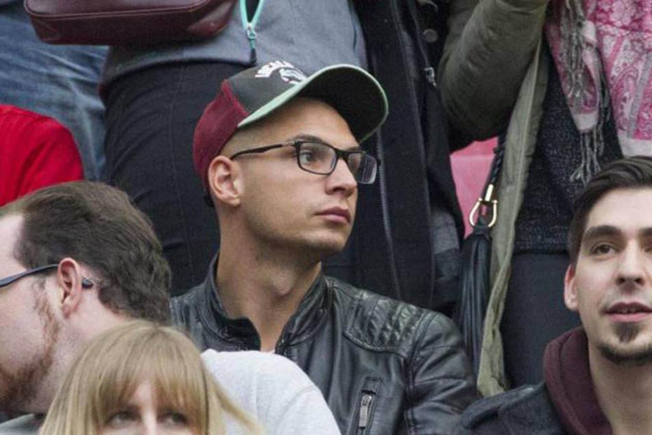 Sarahs Geburtstag verbrachte Pietro allein im Stadion.