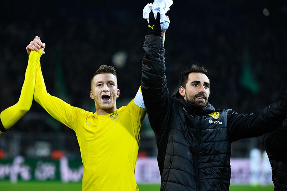 Haben neun Punkte Vorsprung: BVB-Kicker Marco Reus und Paco Alcacer haben allen Grund zu jubeln.