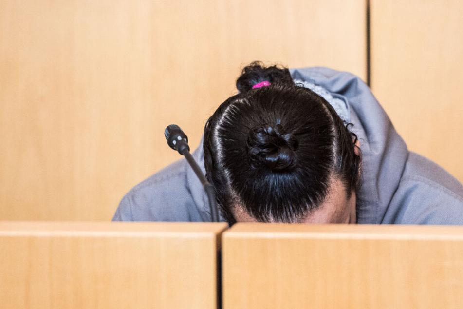 Mann tötet Freundin mit 30 Messerstichen: So lautet das Urteil