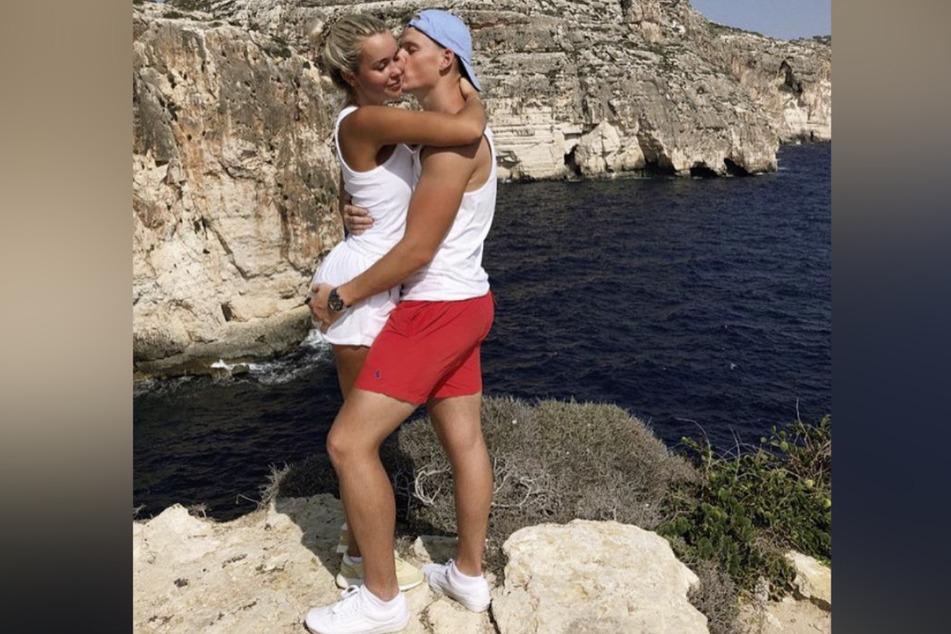 So süß! Maria (21) kuschelt mit Freund Timo.