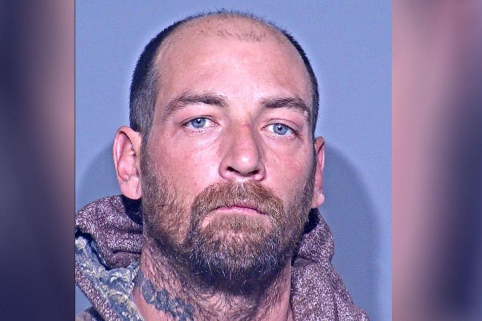 Corey Ashton Steele (32) erhielt die Fotos der Mutter. Er soll sie dazu aufgefordert haben.