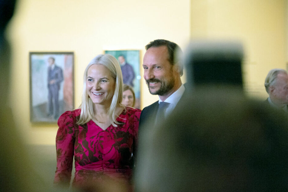 Kronprinzessin Mette-Marit und Kronprinz Haakon von Norwegen in der Ausstellung zu Edvard Munch.