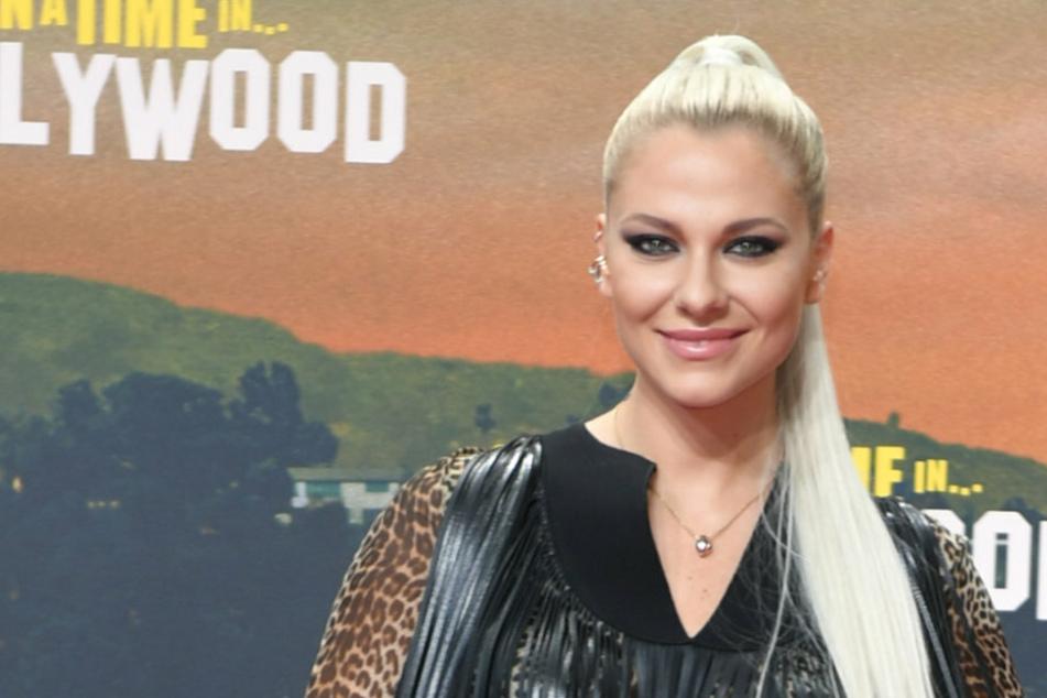 "Schauspielerin Valentina Pahde (25) kommt zur Premiere seines Films ""Once upon a time...in Hollywood""."