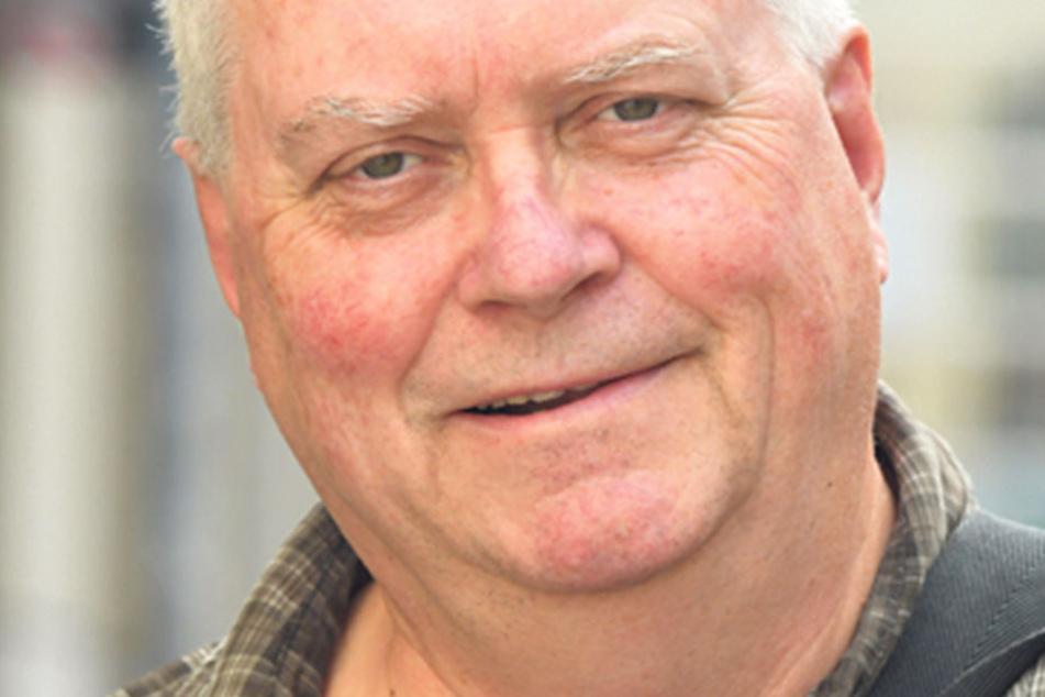 """Bernd Rechta (64),Rentner aus Dresden, hält sich heraus: """"Ich wähle nicht. Ich bin Diesel-Fahrer, Rentner und soll mir jetzt ein neues Auto kaufen. Mir fehlt, dass die Politiker nicht mit den Menschen reden, sondern nur untereinander."""""""