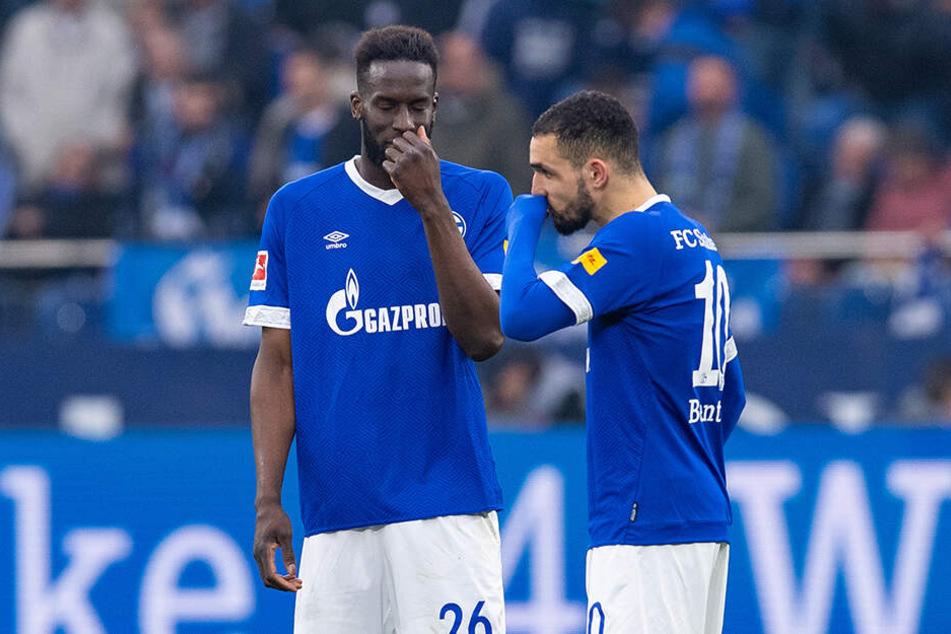 Lebloser Auftritt: Schalke, hier Salif Sané und Nabil Bentaleb (r.) gibt derzeit ein desolates Bild ab.