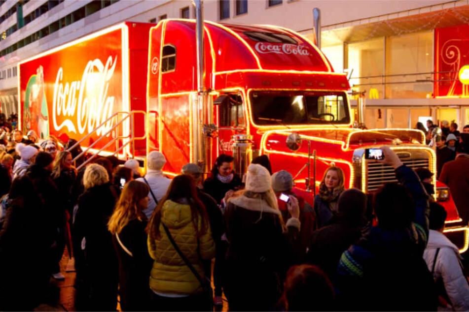 Wo die beleuchteten Trucks auftauchen, ist ihnen Aufmerksamkeit sicher. (Archivbild)