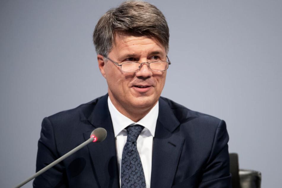 BMW-Chef Harald Krüger hat klare Forderungen an die Bundesregierung.