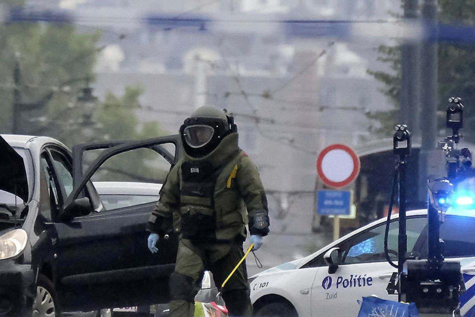Als der Mann festgenommen wurde, mussten Sprengstoffexperten ausrücken.