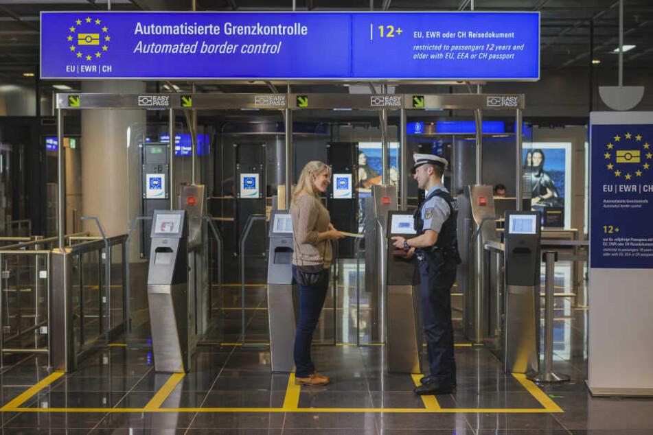 Das Verfahren soll die Passkontrolle beschleunigen.
