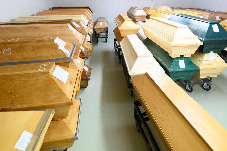 Dresden: Dresdner Krematorium wegen Corona an Kapazitätsgrenze