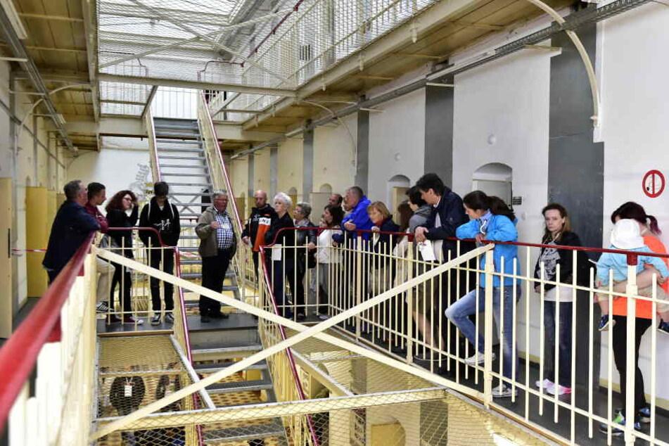 Im Kaßberg Gefängnis konnten die Besucher an Führungen teilnehmen.