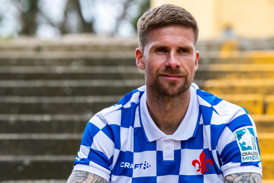 Mit diesem Sondertrikot wollten Tobias Kempe und der SV Darmstadt 98 am Ostersonntag eigentlich gegen Fortuna Düsseldorf auflaufen.