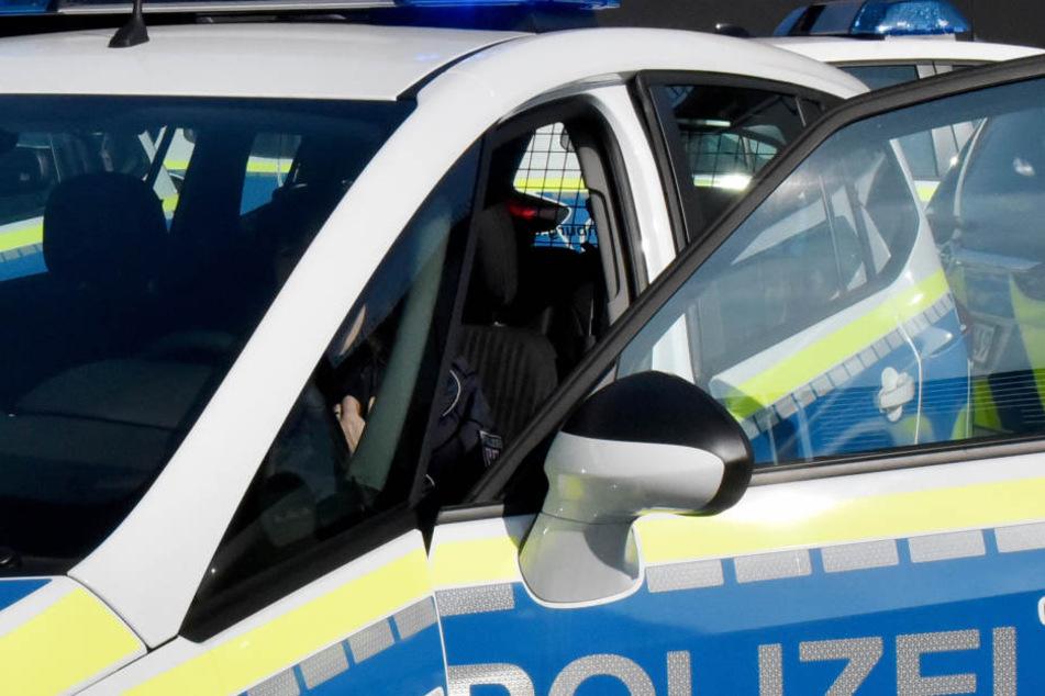 Die Ehefrau griff eine Polizistin an und bedrohte die übrigen Beamten.