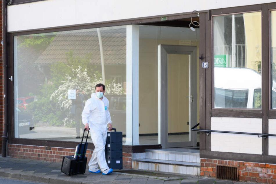 Im Zusammenhang mit dem Passauer Armbrust-Fall haben Ermittler zwei Leichen in Niedersachsen gefunden.