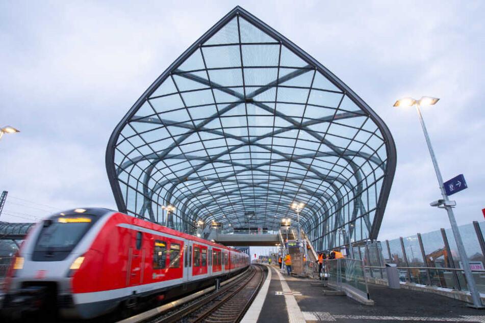 Erst vor wenigen Tagen wurde auch die S-Bahn-Station Elbbrücken eröffnet.