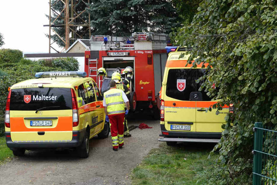 Angler alarmierten die Polizei, den Rettungswagen und die Feuerwehr.