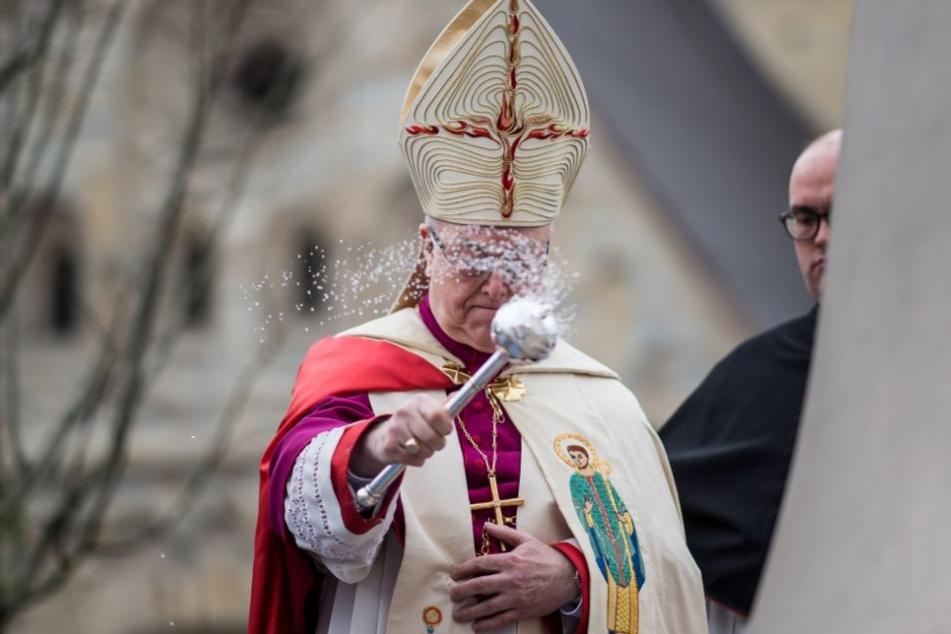 Auch der Erzbischof ist der Ansicht, dass die Missbrauchsfälle der Kirche stark zugesetzt haben.