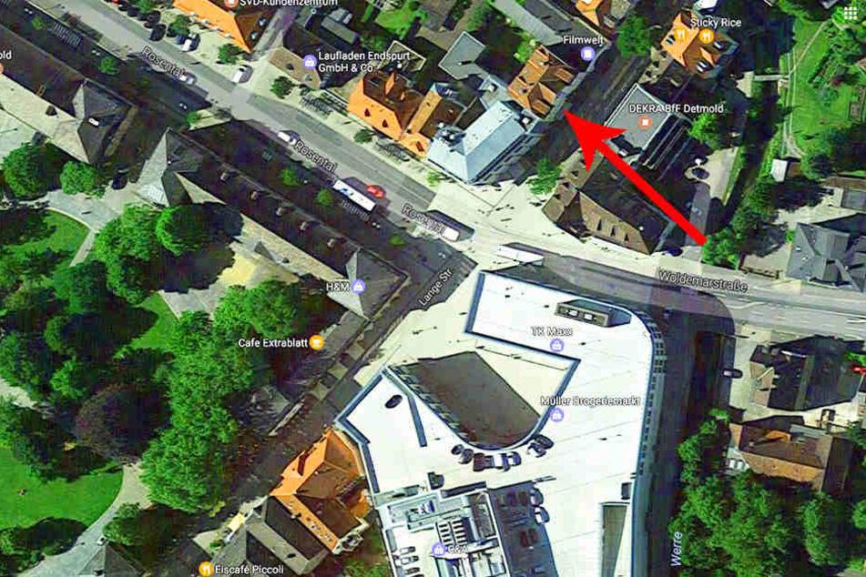 An der Ecke Lange Straße/Woldemarstraße wurde das Juweliergeschäft ausgeraubt.