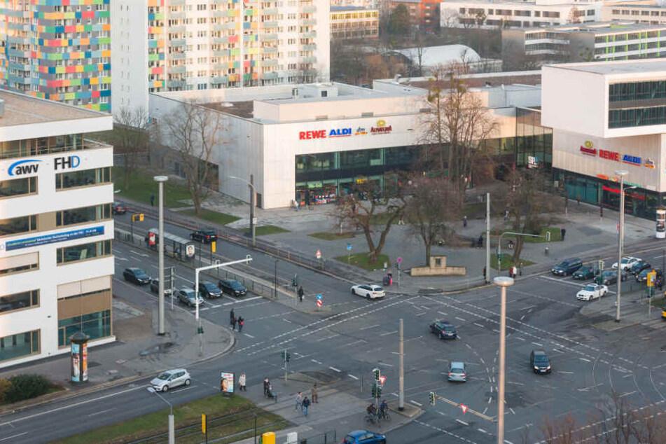 """""""Tatort"""" Straßburger Platz: Hier wurde Audi-Fahrer Blaschke von Polizisten aufgehalten, weil er beim Fahren auf dem Handy herumgetippt haben soll."""