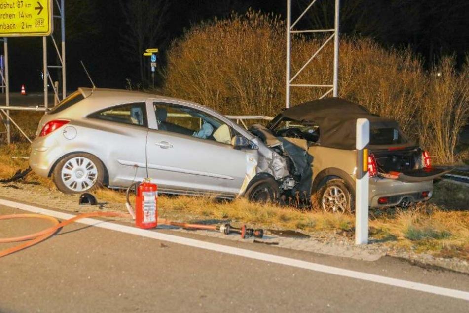 Die Opelfahrerin konnte nicht mehr bremsen und krachte in den Mini.