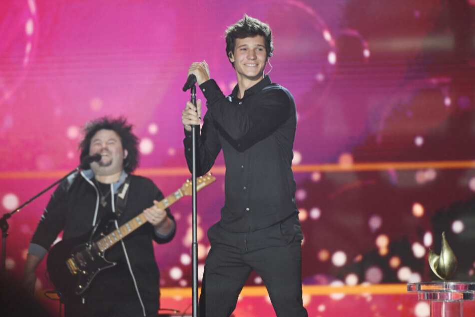 Er singt und siegt: Wincent Weiss (26) bekam eine Henne in der Kategorie Musik.