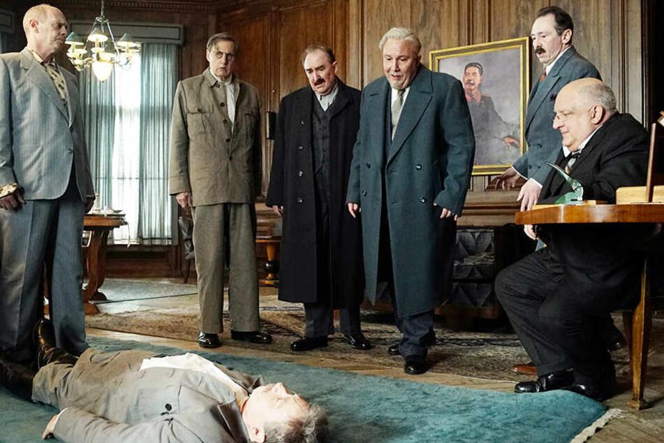 """Sich gegen die große Konkurrenz durchzusetzen, muss man erstmal schaffen! Hut ab, """"The Death of Stalin"""", du bist der schlechteste Film des Jahres!"""