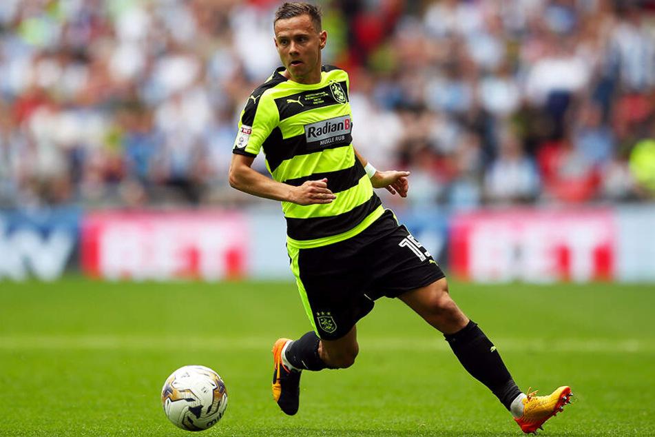 Chris Löwe spielte zuletzt für Huddersfield Town in der englischen Premier League.