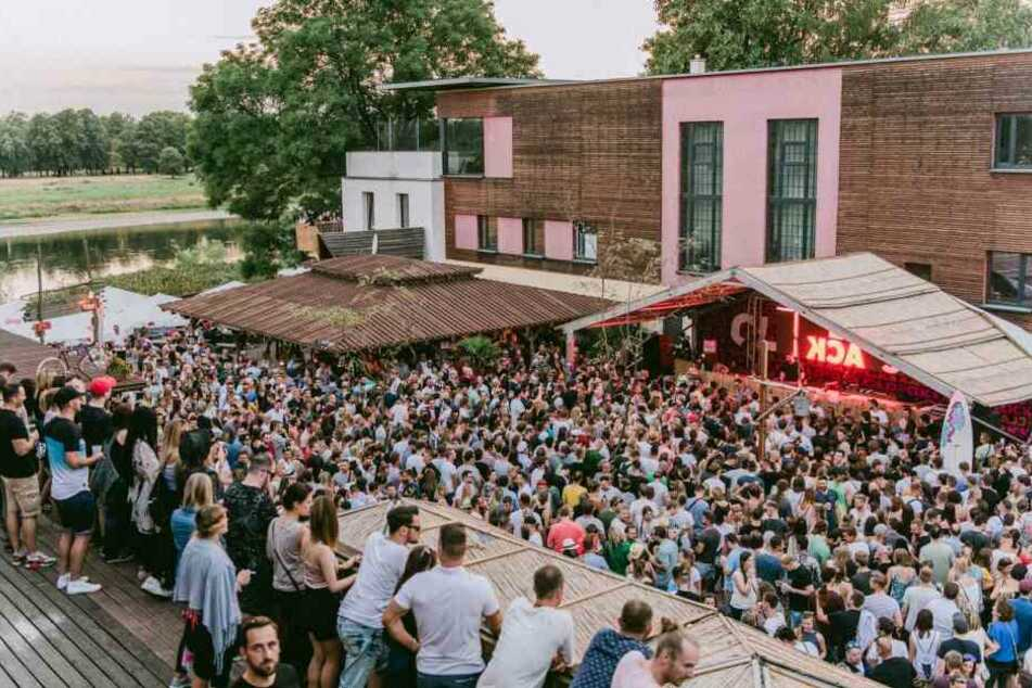 Einmal im Jahr strömen Fans elektronischer Musik zum Citybeach.