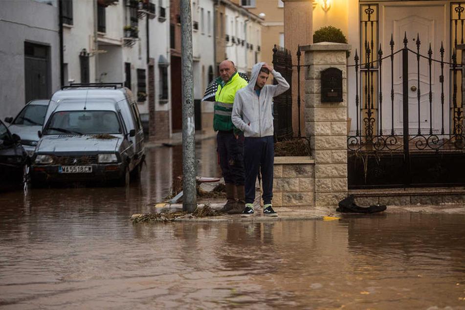 Seit Tagen wüten in Teilen des Landes schwere Unwetter. Mehrere Menschen starben.