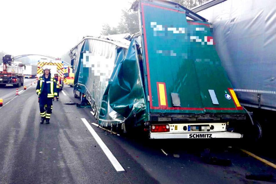 Durch den Unfall bildete sich ein langer Stau.
