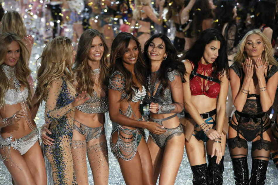 Fall In Victorias Secret Fashion Show