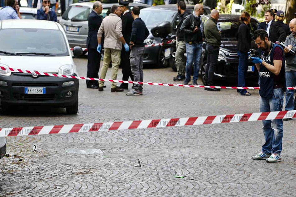 Auf einem Parkplatz vor einer Post explodierte der Sprengsatz.