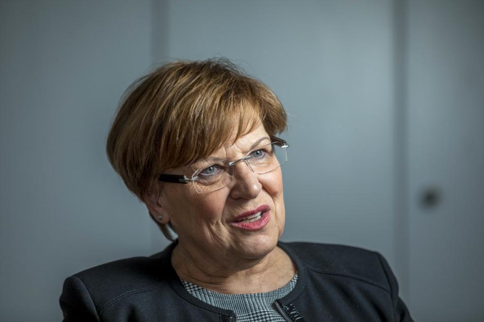 Kultusministerin Brunhild Kurth (62, CDU) warnt vor Panikmache: Sie glaubt  nicht an einen Ansturm auf die Gymnasien.