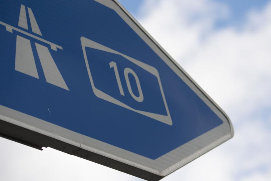 Auf der A10 in Berlin kam es in der Nacht zu Sonntag zu einem schrecklichen Unfall (Symbolbild).