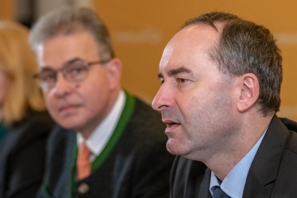 Florian Streibl (l) und Hubert Aiwanger bei der Winterklausur der Freien Wähler.