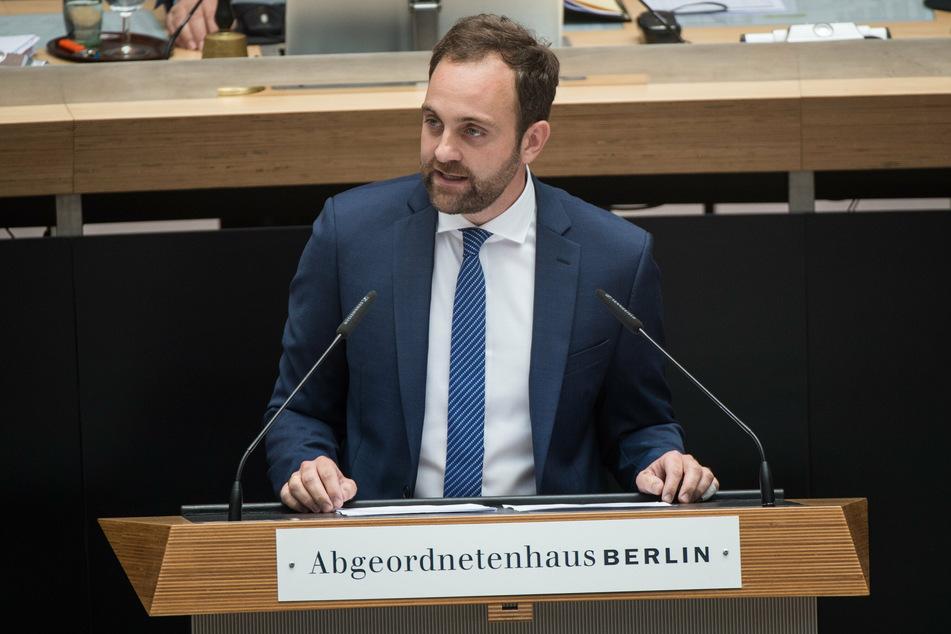 Tim-Christopher Zeelen, gesundheitspolitischer Sprecher der Berliner CDU-Fraktion, kritisiert die Gesundheitssenatorin.