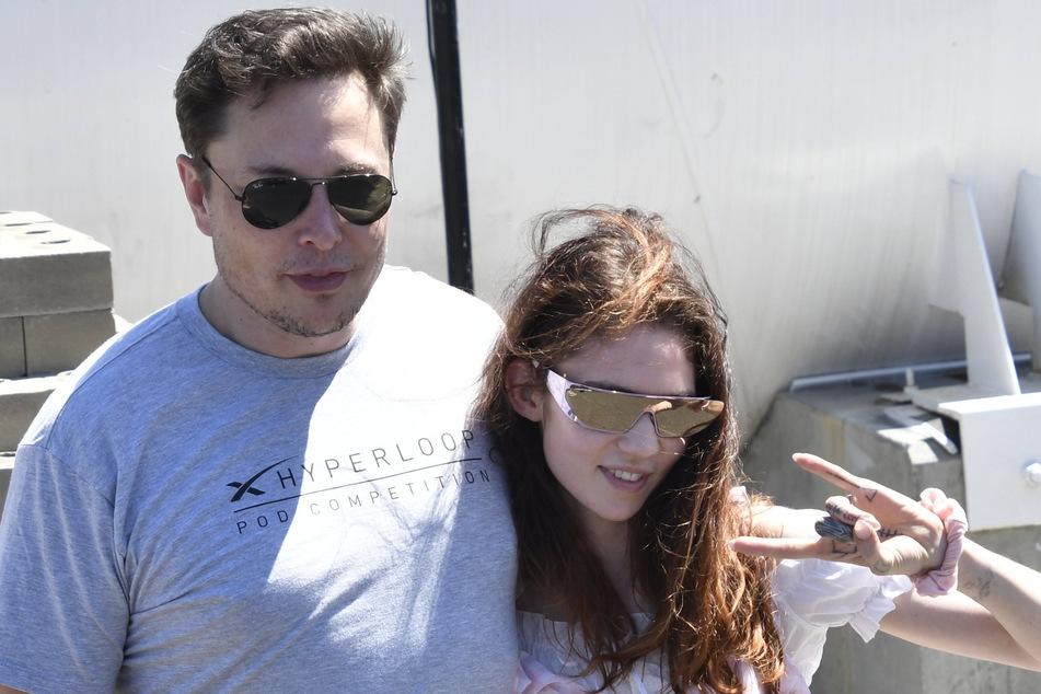 Elon Musk (49) mit seiner Freundin, der kanadischen Sängerin Grimes (32).
