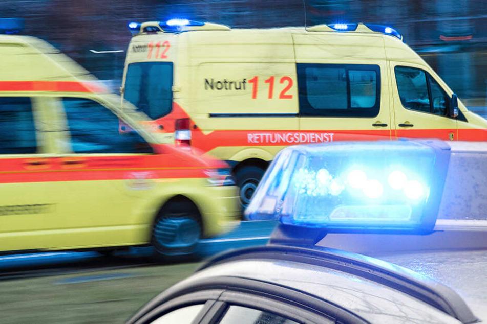 Toyota schleudert auf A72 und stößt mit VW zusammen: Zwei Verletzte