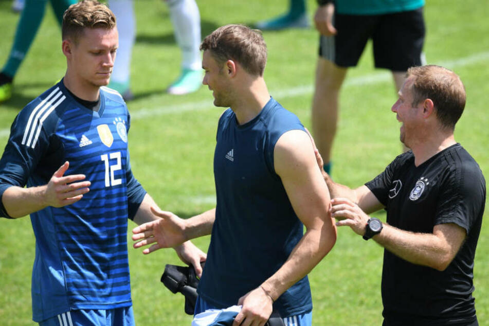 Bernd Leno (l.) durfte überraschend nicht mit zur WM nach Russland.