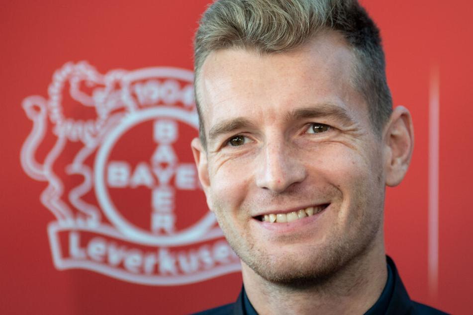 Leverkusens Torwart Lukas Hradecky (29) musste im Urlaub vor einem Bären fliehen.