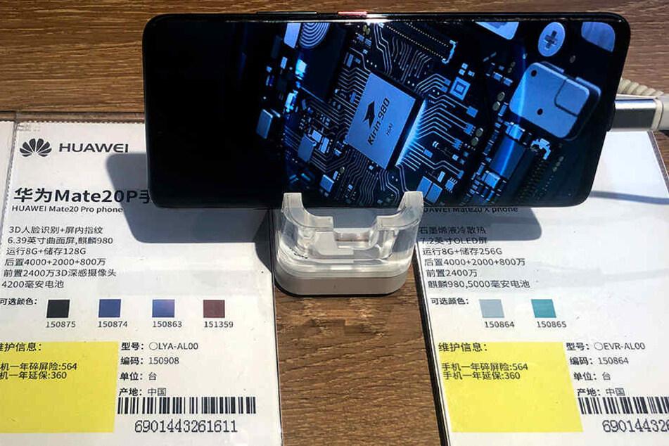 Auf Trumps schwarzer Huawei-Liste: Ein Smartphone Huawei Mate20P mit dem Kirin-980-Prozessor.