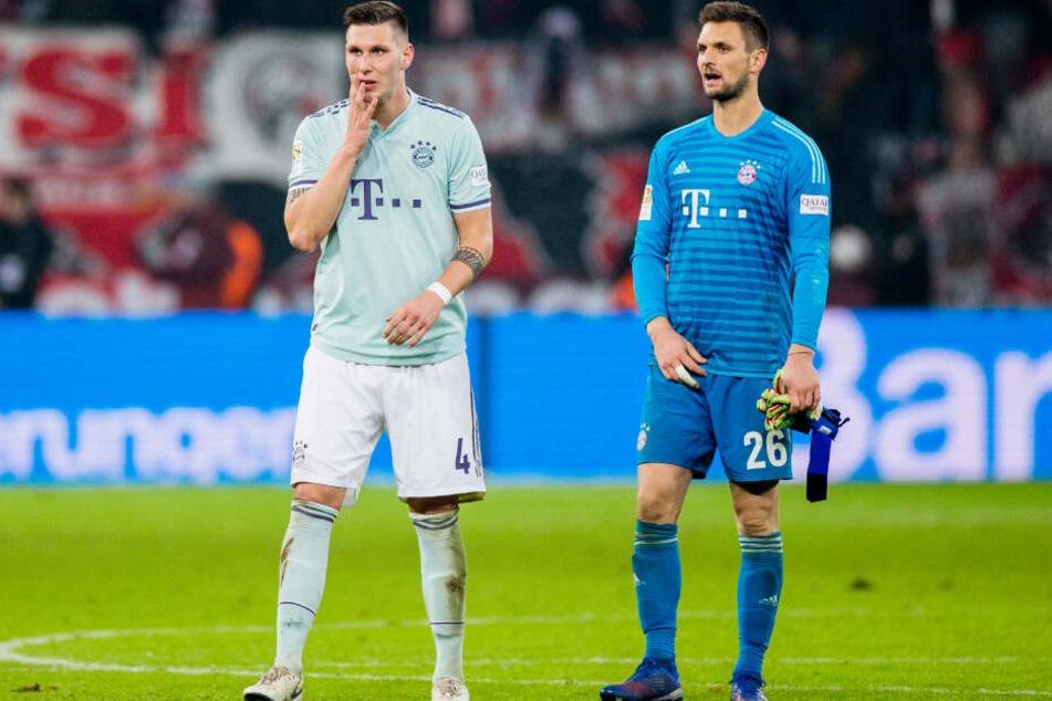 Niklas Süle (l.) und Sven Ulreich (r.) können die 1:3-Klatsche nicht wirklich fassen.