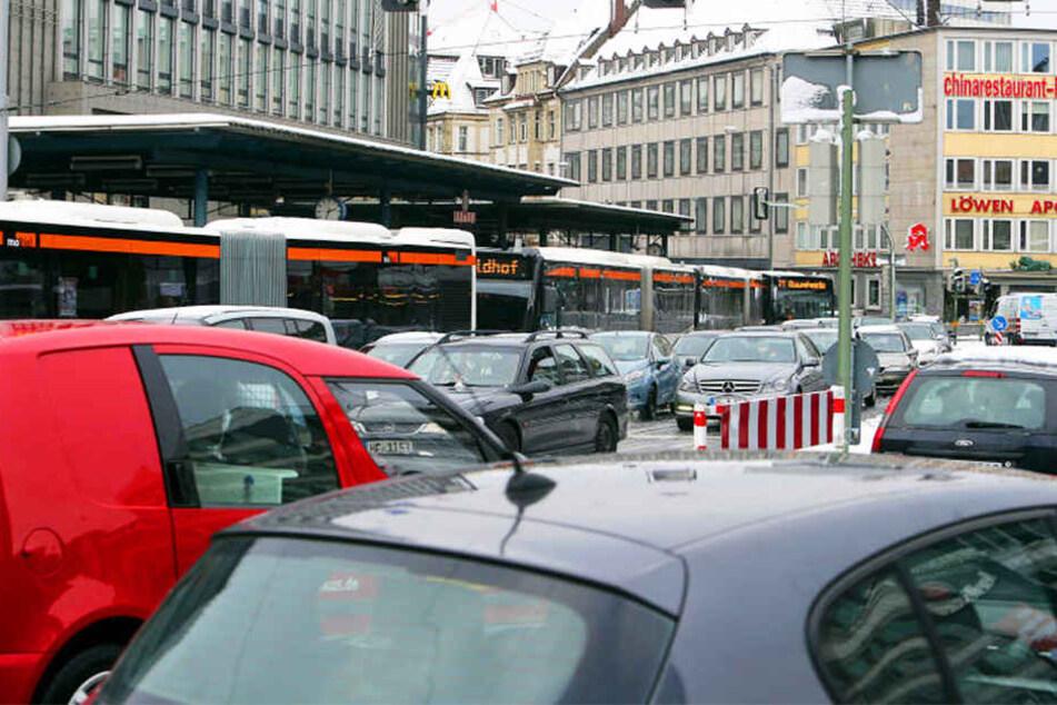 Der Jahnplatz wird von Autofahrern hoch frequentiert.