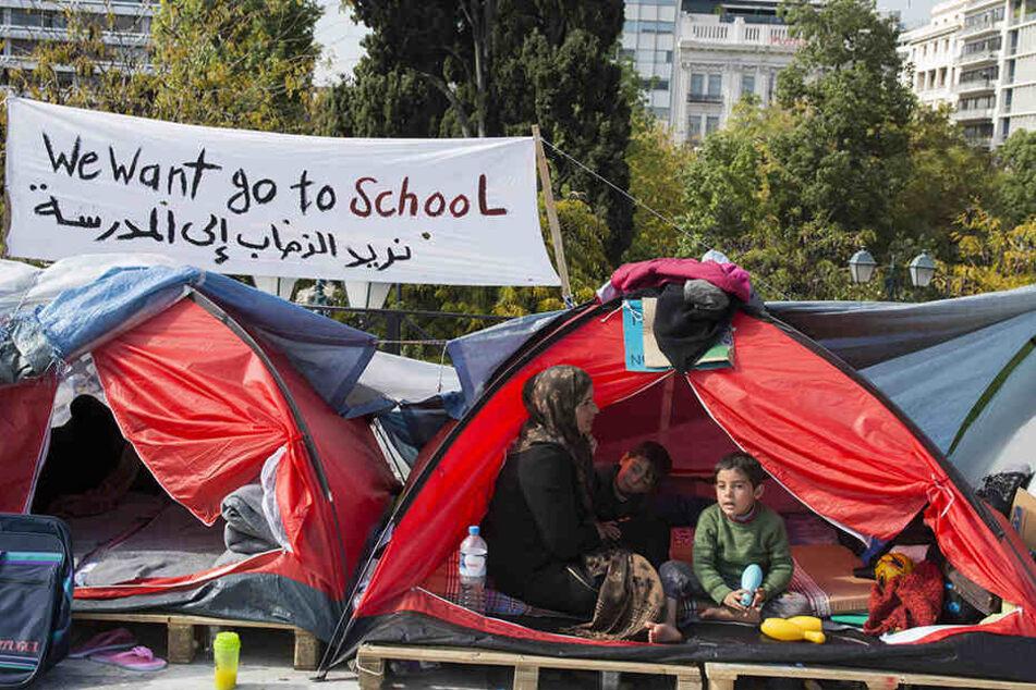 Geflüchtete vor dem griechischen Parlament in Athen.