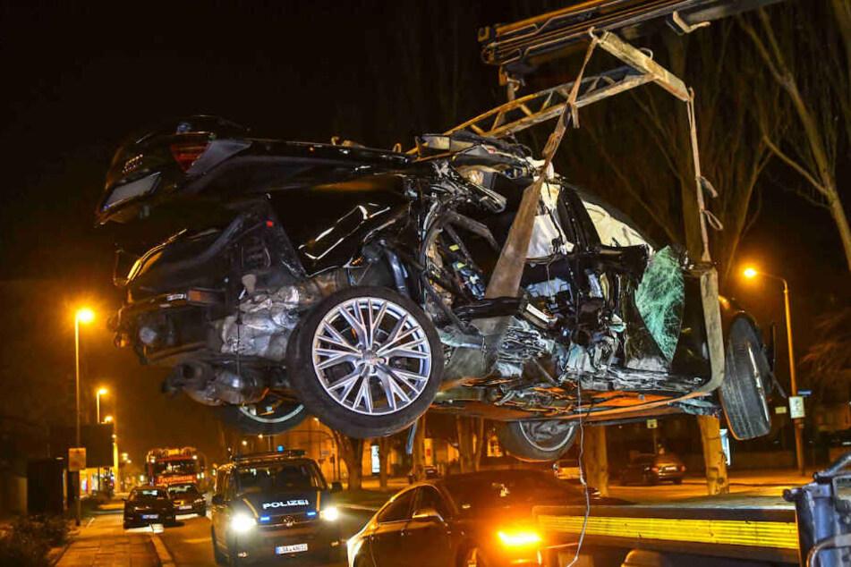 Die beiden Fahrzeuge wurden beschlagnahmt.